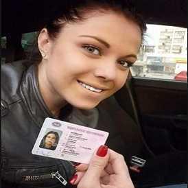 Катя - выпускница московской автошколы